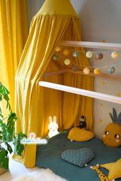 Auvent, auvent et tente de jeu en mousseline jaune moutarde   – Kinderzimmer Soft-Kollektion mit Musselinstoffen und Aquarell-Wandstickern