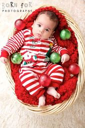 20+ Creative and Cute Photo Ideas for Baby's First Christmas  – Christmas baby pictures