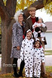 59 Family Halloween Costumes: Addams Family, Flintstones