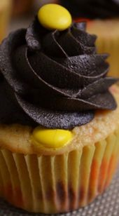 Reeses Pieces Cupcakes