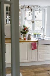 Kleine Amaryllis für die Weihnachtsdekoration in der Küche   – Pomponetti