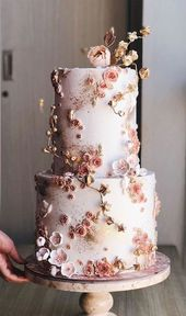 The most beautiful wedding cakes that will have your wedding guests' attention!