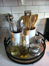 Organisieren der Küchentheke mit einem einfachen Tablett. Klicken Sie hier um zu sehen wie!  #einem…