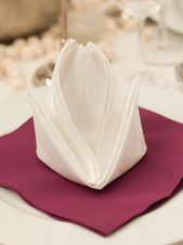 Instructions for folding napkins: flower
