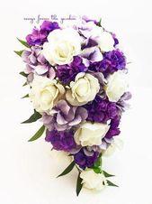 Cascade Bridal Bouquet Weiß, Lila und Lavendel mit Rosen und Hortensien   – Wedding Corsages Boutonnieres and Floral Crowns