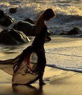 La sensación de la arena mojada en los pies