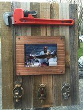 DIY Ruhestandsgeschenk für einen Sprinklerinstallateur – Leinwand aus verwittertem Holz, …   – office decor