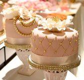 Stilvolles und elegantes Design mit 30 Boutiquen – Kuchen IRS #torten #tortenre …   – Torten Rezepte