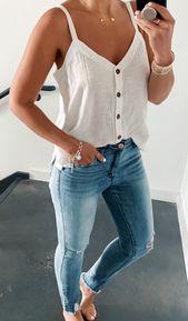 37 Die heißesten Sommer-Outfit-Ideen für Frauen mit herausgerissenen Jeans zum Ausprobieren – Sabrina Frey