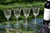 Vintage geätzte Weingläser, 4er-Set, Cambridge, Lucia, 1940er Jahre, große Vintage geätzte Weingläser mit Stiel, Vintage Wasserbecher   – Vintage Etched Wine glasses