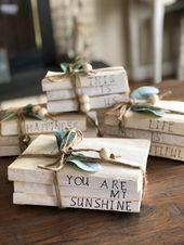 Gestempelte Bücher | Bauernhaus Perlen | Bauernbücher | Buchstapel | Holzperlen Girlande