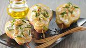 Peras rellenas con queso de cabra y piñones   – Vorspeise