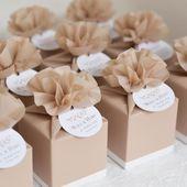 Personalisierte Hochzeitsbevorzugungskästen in der Farbe des Aktes Geschenkbox
