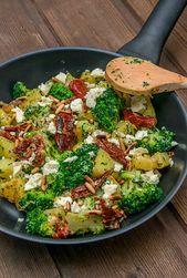 Potato broccoli pan with feta