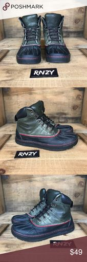 Nike 9 Duck boots. Gently used. Smoke free. No box. We always carefully package …