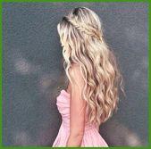 Dirndl hairstyles semi-open 2019 Informations sur Dirndl hairstyles semi-open 20… – Wedding hairstyles half up half down – Almus Blog – Mein Blog