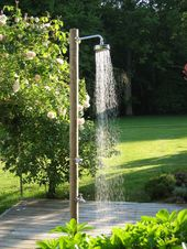 Outdoor Dusche für eine Erfrischung während der heißen Sommertage – outdoor shower