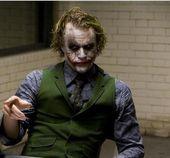 """""""Ich bin wie ein Hund, der Autos jagt, ich würde nicht wissen, was ich tun soll, wenn ich eines fange, … – Joker"""