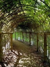 Maybe something like this for a hammock area? #PergolaPostSize #PergolaBench #ga…
