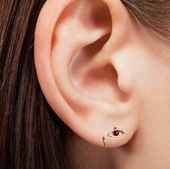 Handgemachte Ohrschlaufe aus 925er Sterlingsilber, Piercingschmuck, Knorpelpiercing, Nasenpiercing, Lippenpiercing, Multi Hoop, 21 Gauge (0,7 mm), einteilig   – On ear
