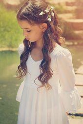 Erste Kommunion Kleid, Mädchen und Kleinkinder Hochzeitskleid, weiße Blumenmädchenkleid, Boho-Hochzeit – Marion Burmann