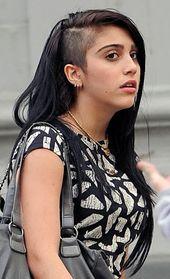 lourdes rasierte haare immer cooler als ihre mama? –  – #Kurzhaarfrisuren,  #als #Cooler #Haa…