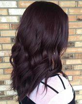 21 Schokoladenbraunes und lila Haar sieht aus