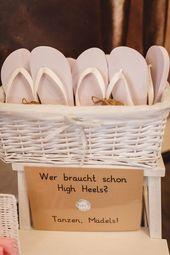 Rustikale DIY Hochzeit mit Wald und Hirschmotiv | Hochzeitsblog The Little Marriage ceremony Nook
