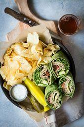 Einfaches Veggie Wrap in einer Spinattortilla   – Burgers & Sandwich – #Burgers …