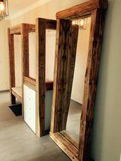 Spiegel aus alten Holzbalken.