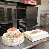 #TBT Ein wahrer Klassiker. Lisas traditionelle Bordüre in Elfenbein mit Pfirsichglasur …   – Cakes