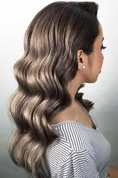 39 Totally Trendy Prom Hairstyles for 2019 to look gorgeous #looks #totally #trendy #wonderful