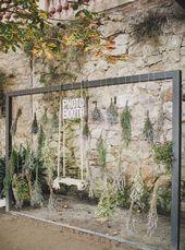 Décoration photobooth avec fleurs séchées et balançoire