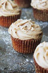 Cupcakes de pan de jengibre con glaseado de queso crema y canela: el rico y decadente fro …   – cupcake recipes ideas