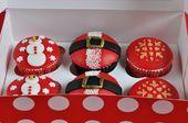 Deliciosos cupcakes decorados con motivos navideños, para celebrar estas fiestas …   – Weihnachts Desserts