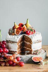 Ein veganer Naked Cake, der bombastisch aussieht, noch besser schmeckt und …   – Rezepte (süß)