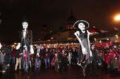 Más de 15 mil catrinas desfilaron en la capital mexicana – Celebridades y familias …   – Revista