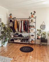 """Jule.popule auf Instagram: """"Ich liebe meine Garderobe"""" Sind Sie Team O – dream rooms~♡~"""