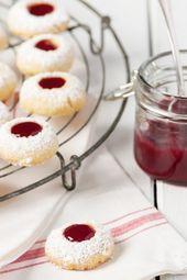Weihnachtsplätzchen mit Marmelade: Rezept für Engelsaugen   – Kuchen und Kekse