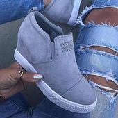 Zapatillas con cuña slip on de moda de gamuza sintética   – Street style