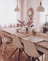 Build your own DIY dining table – table made from old planks