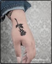 🌹 Einzelne Rose. #Milchkinktattoo #Milchknick #Rosetattoo #Rosa #Rosen