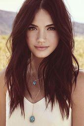 17 Cute and Romantic Layered Hairstyle Ideas for Long Hair  Frisuren für langes Haar mit Schichten für runde Gesichter    This image has get 1522 re…