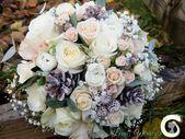 Winter Bouquet von Rosen, Gypsophila und Tannenzapfen – Ranunkel Bouquet – Winter …   – Wedding Flowers