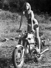 BMW & Perfect Blonde German Girl, eine Fahrt. – BMW Scrambler – #amp #Ausri …   – Bike Babes