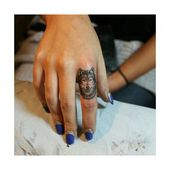 small finger tattoo_50
