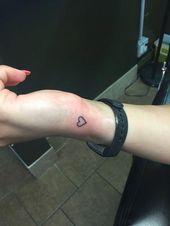 Des tatouages exceptionnels pour les filles sont proposés sur notre site Web. regarde ça et toi …   – Cute Tattoos