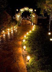 8. Zünde es an. Schmücken Sie Bäume, säumen Sie einen Weg oder hängen Sie …   – Wedding & Event Details