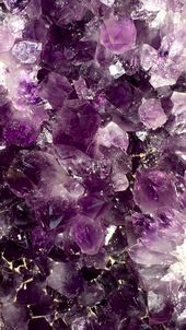 Bonito fondo de amatistas | Pretty amethyst wallpaper – #backgrounds #morado #p…