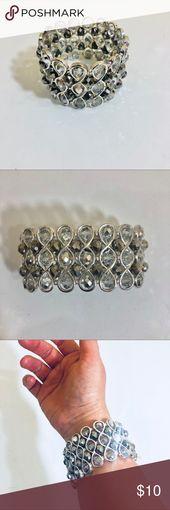 bracelet WHBM bracelet en argent scintillant White House Black Market bracelet en argent cristal St …